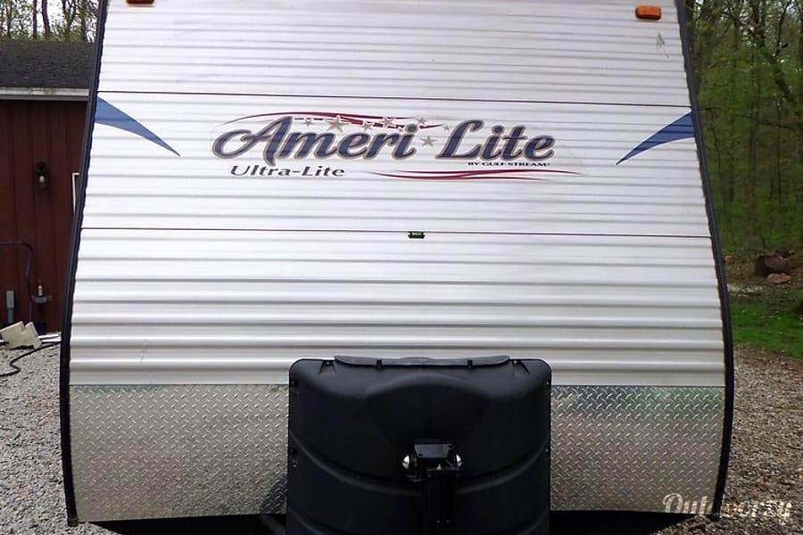 23' Gulf Stream Ameri Lite, Sleep up to 4 Addison, MI