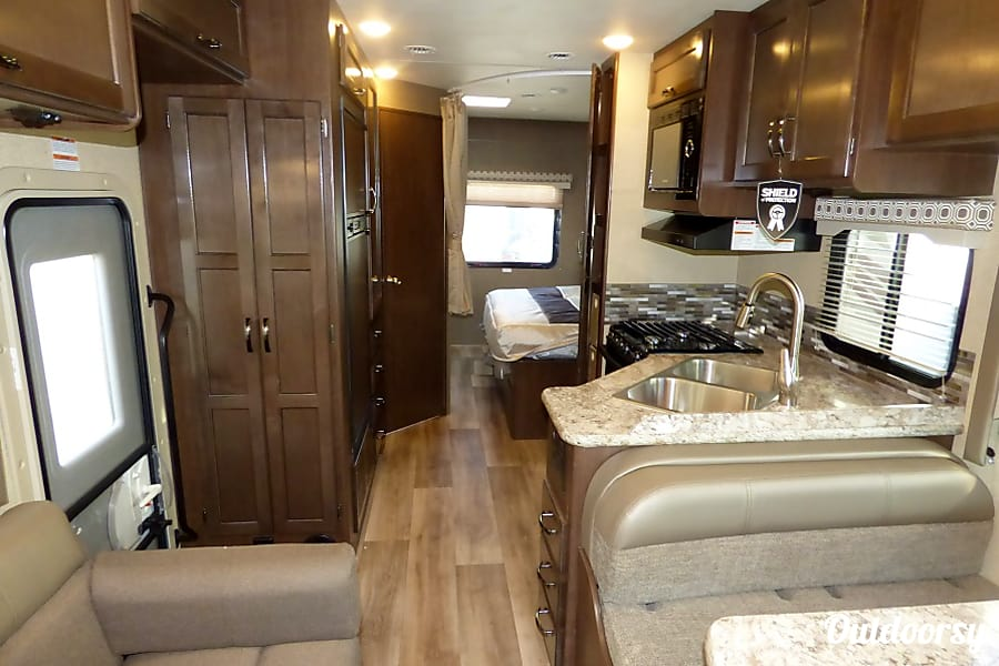 interior 2017 Thor Motor Coach Four Winds Spanish Fork, UT