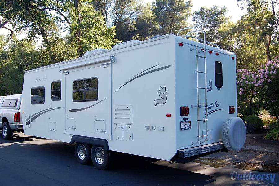 Arctic Fox:  Comfort / Great layout / Built tough / Easy Tow / Solar / Delivery Available Folsom, CA