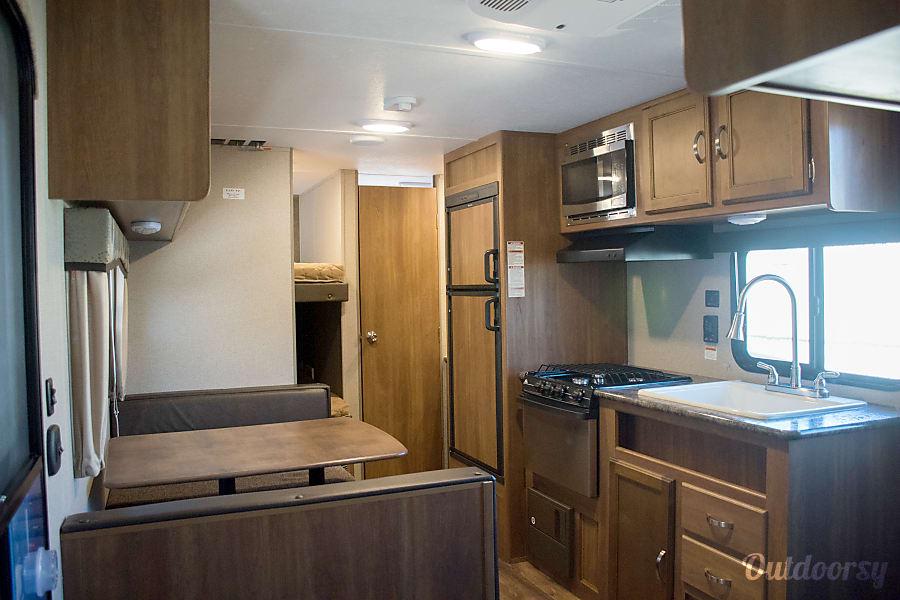 RV 10: 2017 Keystone Summerland 2600 TB-1 Herndon, VA