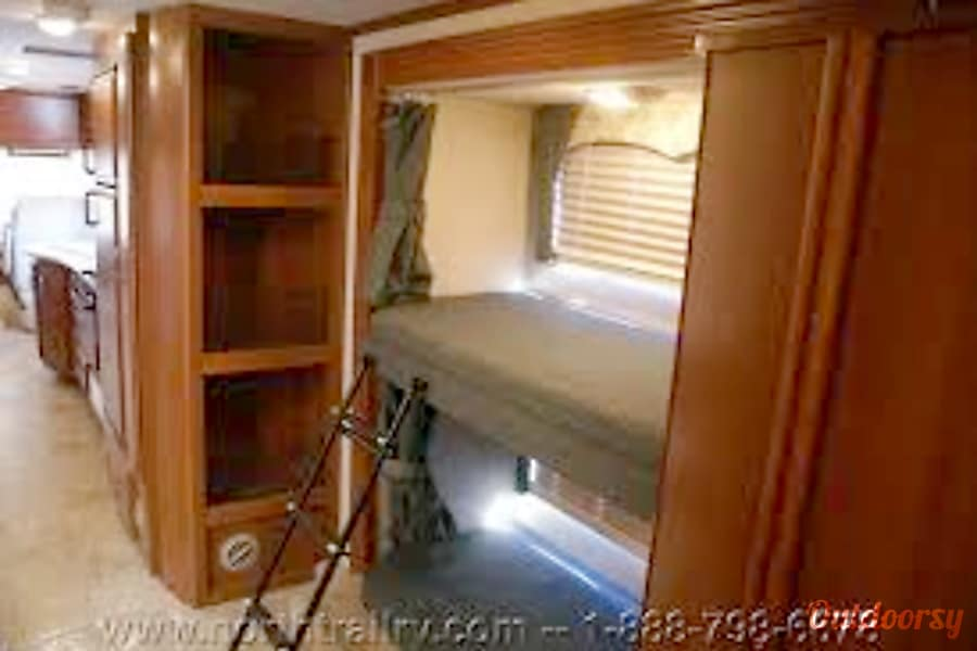 """HaRVey"" Prescott, AZ Each bunk bed has a monitor"