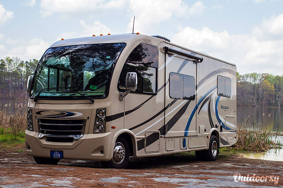 The Vegas - 2017 Thor Motor Coach, unit 2 Lithia Springs, GA