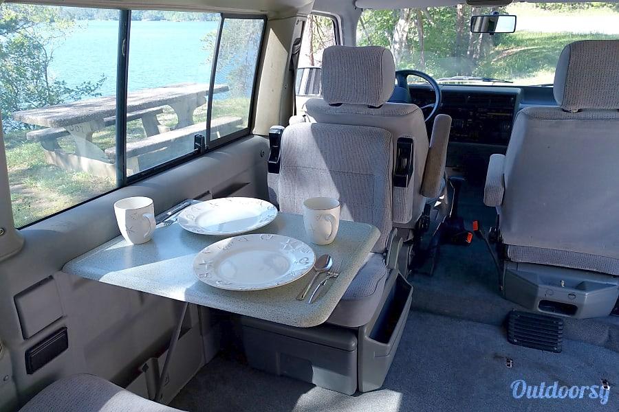 """Easy"" 1993 Volkswagen Westfalia Weekender Camper Van Cleveland, TN Dine in great places."