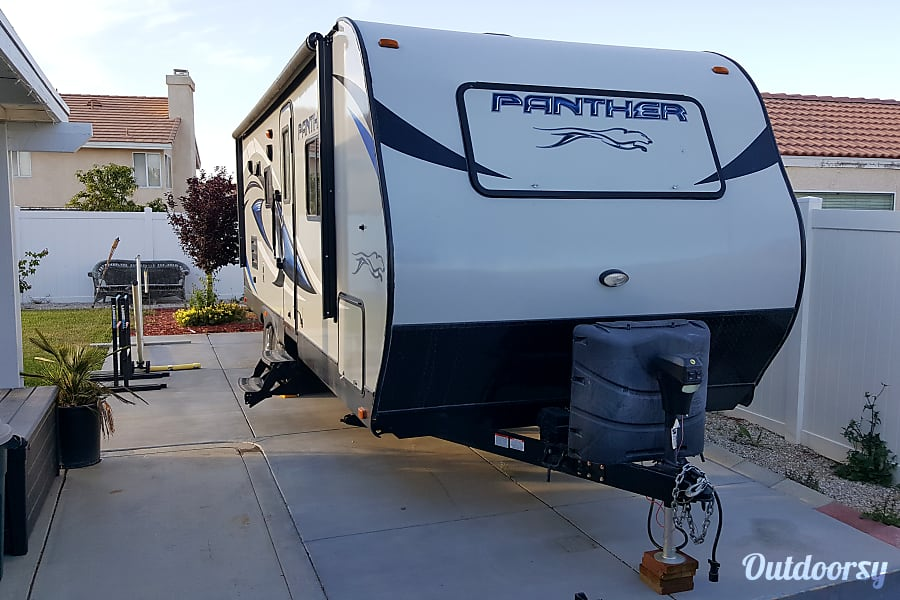 exterior 2015 Pacific Coachworks Panther Victorville, CA
