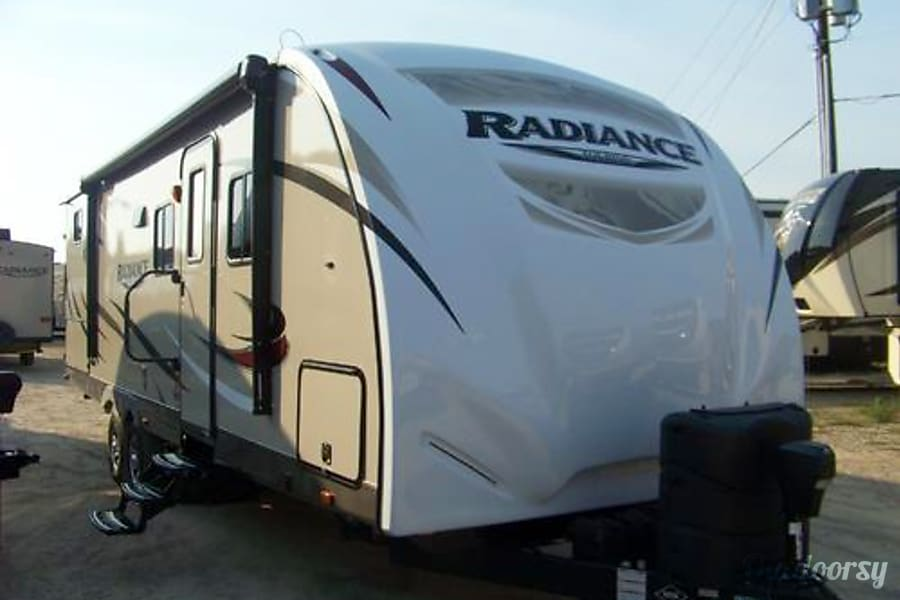 exterior 2016 Cruiser Rv Corp Radiance Biloxi, MS