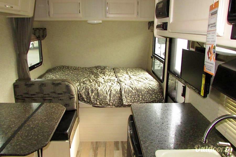 interior 2017 Micro Minnie 1700BH New Mexico 505 RV Rentals #ABQRV Rio Rancho, NM