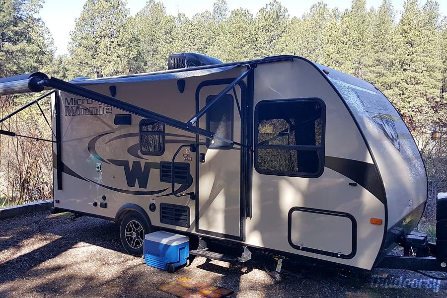 exterior 2017 Micro Minnie 1700BH New Mexico 505 RV Rentals #ABQRV Rio Rancho, NM