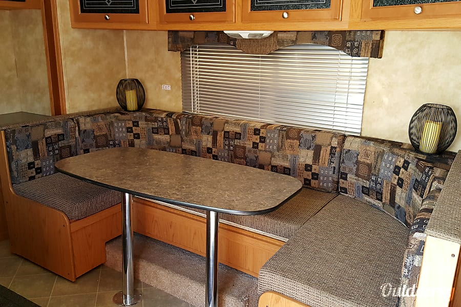 interior Rent North Trail 21FBS With Slide Out No Mileage Charge Las Vegas, NV