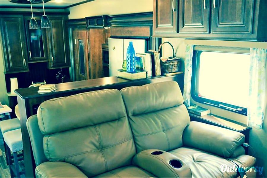 interior 2016 Grand Design Solitude Lilburn, GA