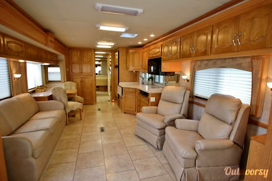 Luxury Motorhome Newmar Mountain Aire-BOOKING NOW FOR SPRING Rockford, MI
