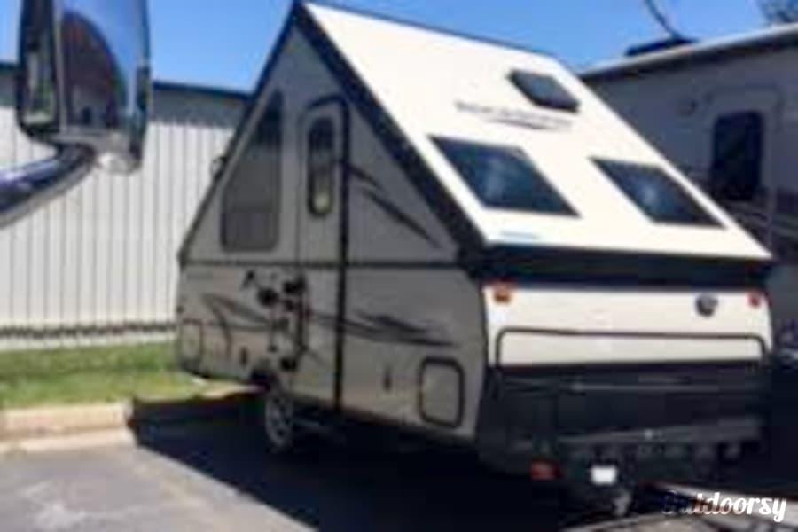 exterior RV 42: 2017 Rockwood A122HB Herndon, VA