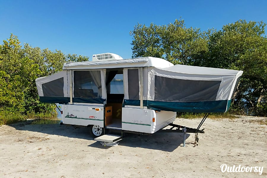 exterior 2003 Coleman Fleetwood 'Bella Avventura' (DELIVERY, SET UP AND REMOVAL AVAILABLE*) Gulfport, FL