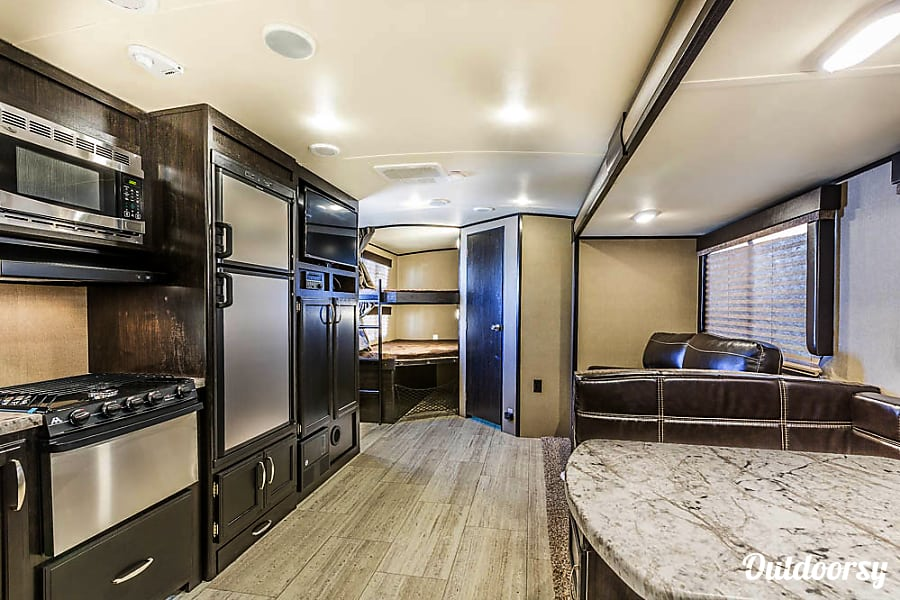 2017 Grand Design Imagine Trailer Rental In Austin Tx