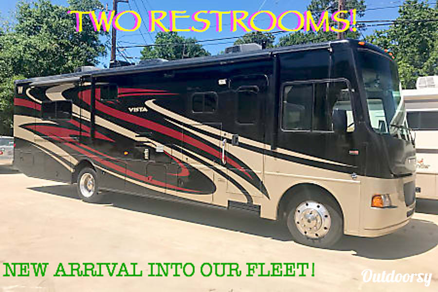 A-07 Winnebago Vista 35' (2 bath) Cypress, TX