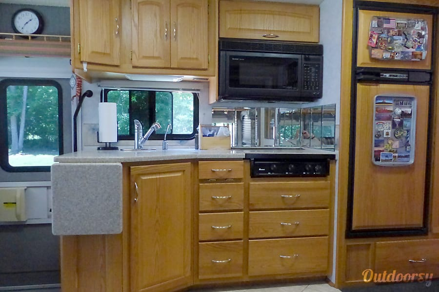 2004 Itasca Suncruiser Efland, NC Kitchen view.  There are also two pull-out pantries not shown.