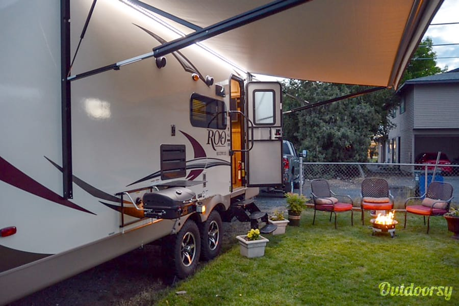 2017 Forest River Rockwood Roo Moses Lake, WA LED lit electric awning.