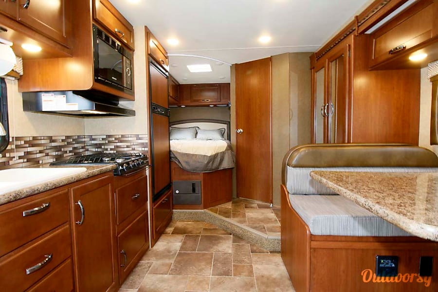 2017 Thor Motor Coach Chateau Laguna Woods, CA Slider is on dinette