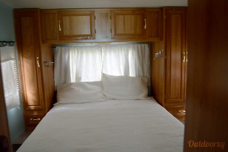 Remodeled Coachman Leprechaun Florissant, Missouri Bedroom