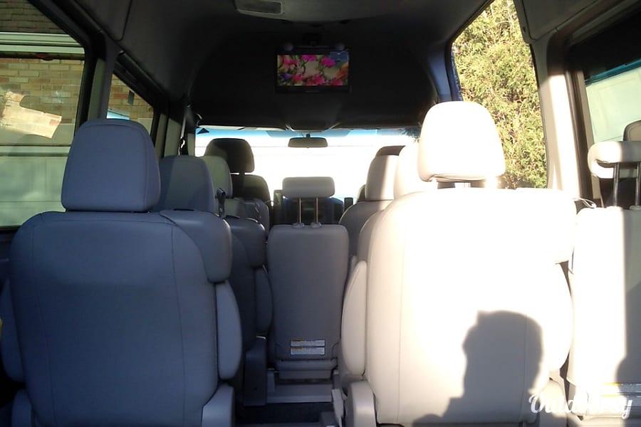 2013 Mercedes-Benz Travel Van 8-12 Seats Shoreview, MN
