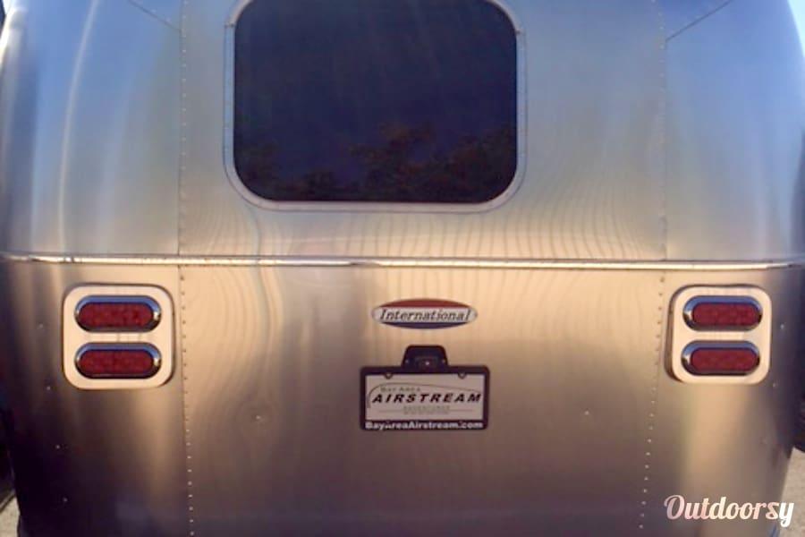 2017 Airstream International Signature Series 23ft-codenamed DARLENE Petaluma, CA