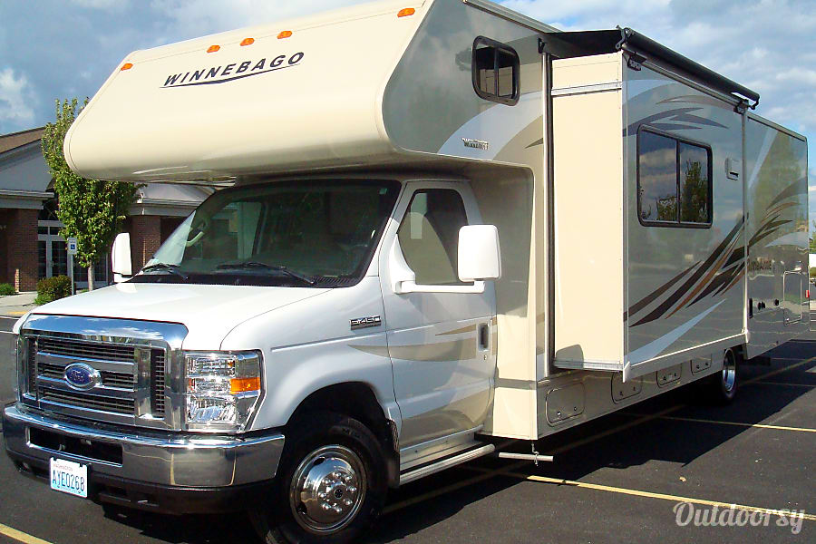 exterior OFF SEASON RATES NOW - 2016 Minnie Winnie 3 BUNKS DELIVERY INCLUDED! sleeps up to 10 Post Falls, ID