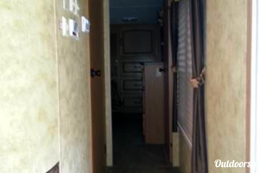 interior 2009 Keystone Challenger *Pure Luxury* Stanton, MI