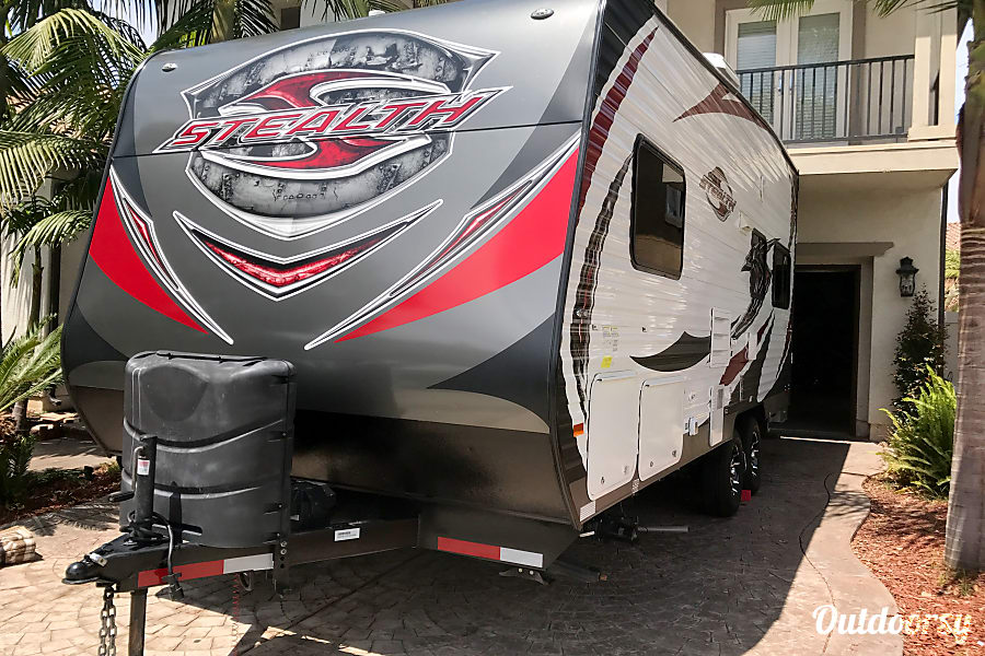 2015 Stealth, Ultimate Stay Anywhere Trailer!! NEW $105 Winter Rate's!!! Oxnard, CA Ready to Go, Make Memories Happen