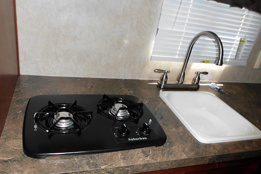 Couples Retreat Payson, AZ Stove top and sink