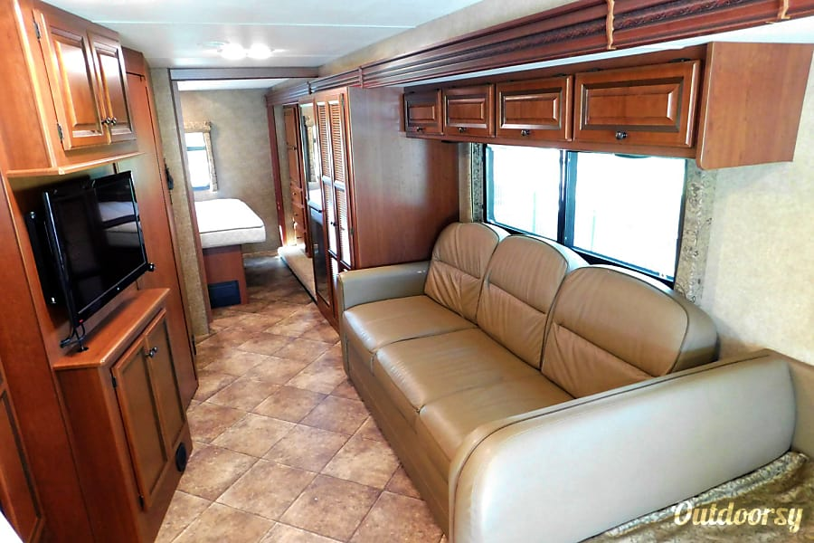 interior WINDSPORT FAMILY CRUISER - JUST BRING YOUR TOOTHBRUSH! Orlando, FL
