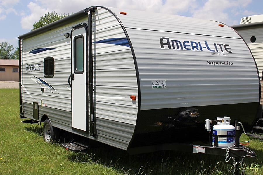 exterior 21' Gulf Stream Ameri-Lite Bunk House, Sleep up to 6 Addison, MI