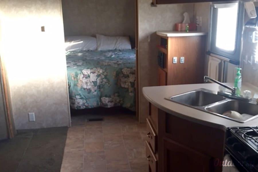 2005 Forest River Salem Stillwater, Oklahoma queen bedroom