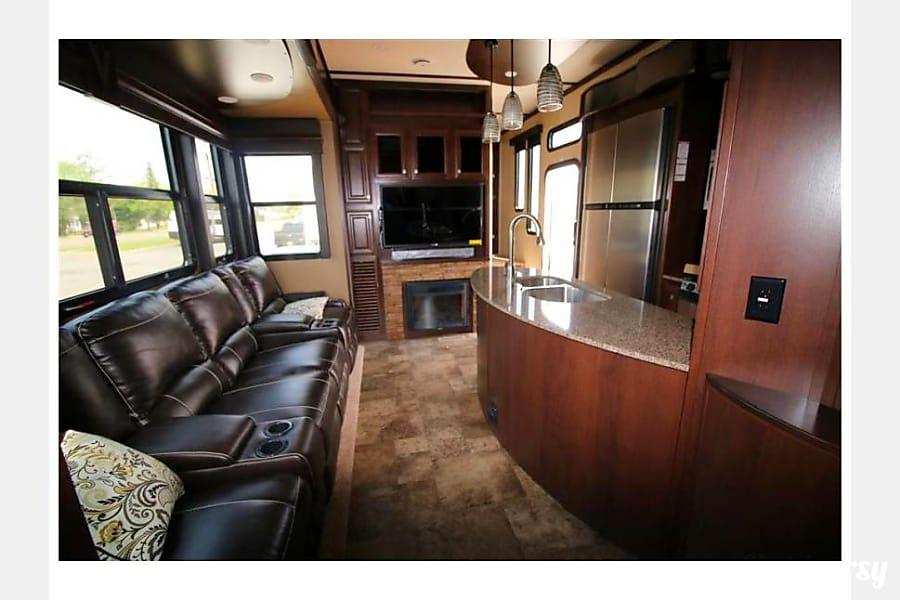 interior 2015 Dutchmen V3990 Boise, Idaho