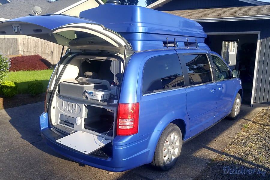 Town And Country Camper >> 2010 Chrysler Town Country Camping Van Motor Home Camper Van