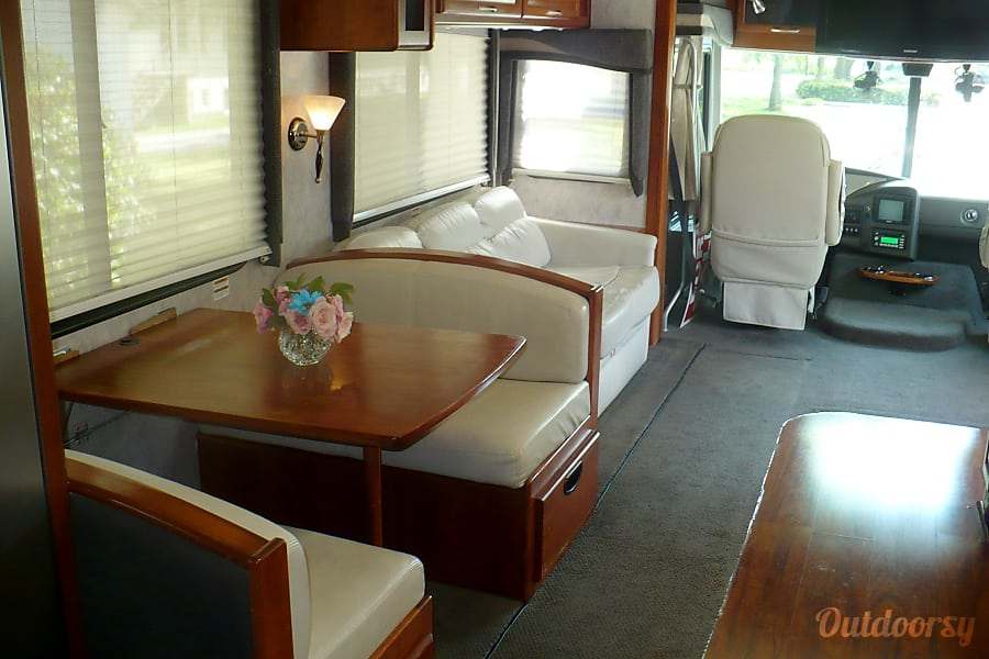 interior 2007 Pace-Arrow 36d - Workhorse Kenmore, WA