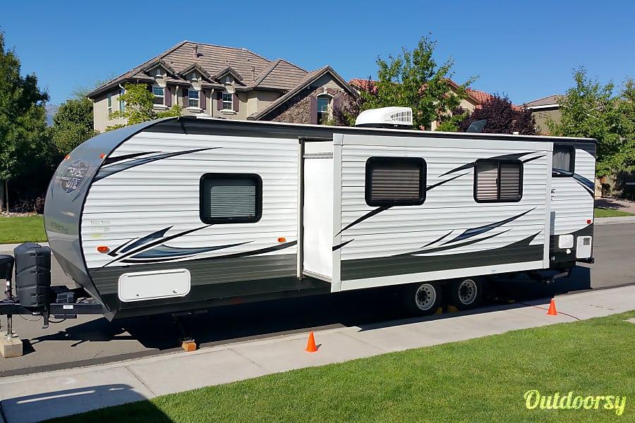 exterior 2016 Forest River Salem Cruise Lite Reno, NV