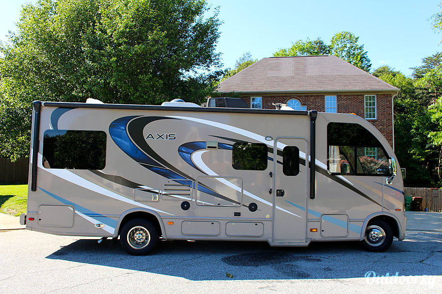 2016 Thor Motor Coach Axis 25.2 High Point, NC