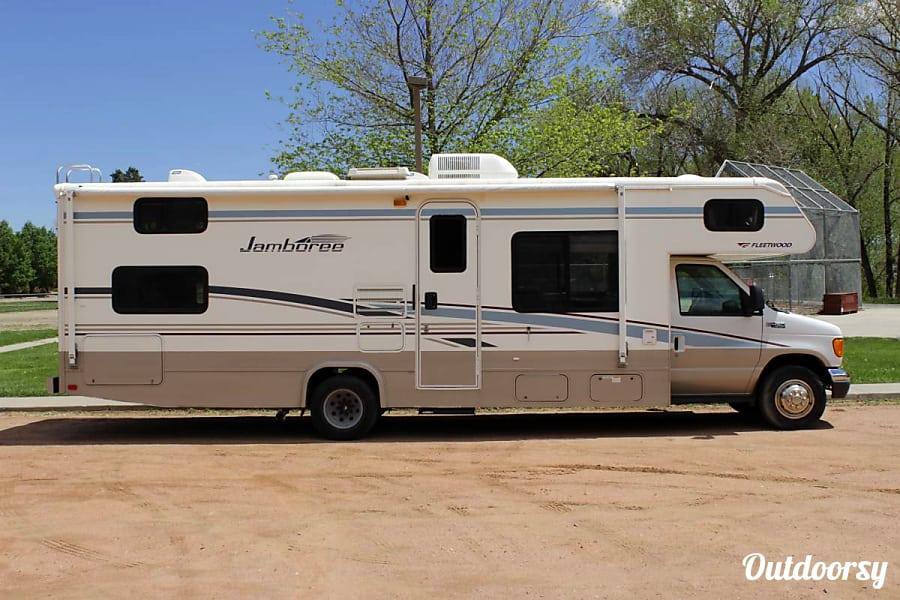 exterior 2005 Fleetwood Jamboree Colorado Springs, CO