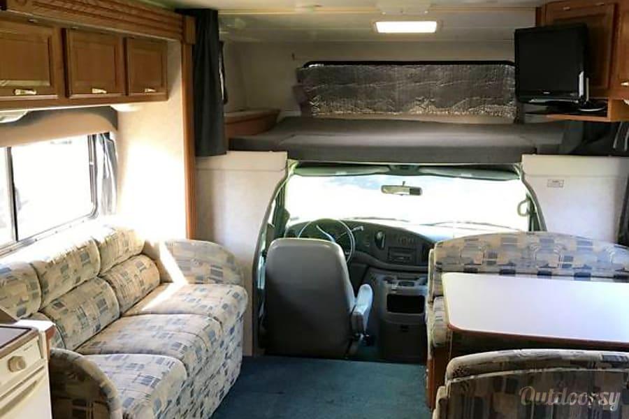 2004 Coachmen Leprechaun Glenside, PA