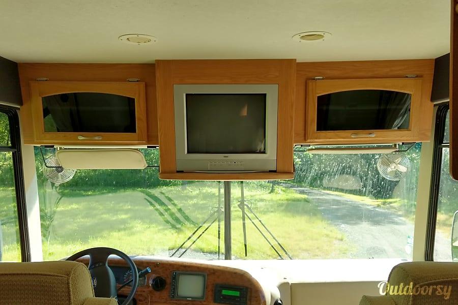 2007 Thor Motor Coach Hurricane Farmington, NY