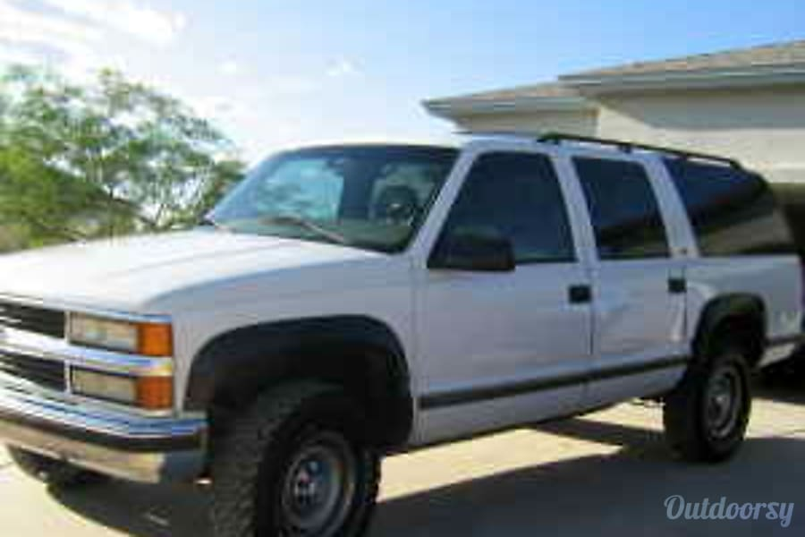 2004 Chevrolet Suburban - Tow Vehicle Phoenix, AZ Drivers Side
