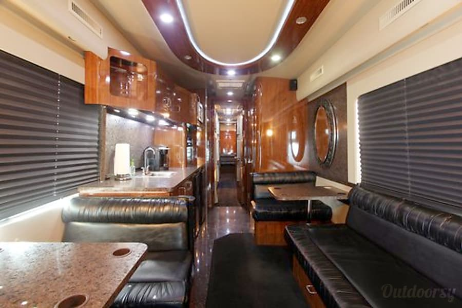 MCI Motorcoach (includes driver) Cypress, TX