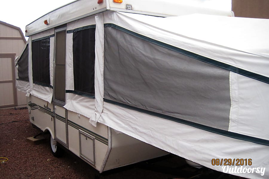 "22"" 2000 Palomino Pop Up Fold Out Camper with AIR CONDITIONING, TV, DVD Player and optional generator! El Paso, TX Outside"