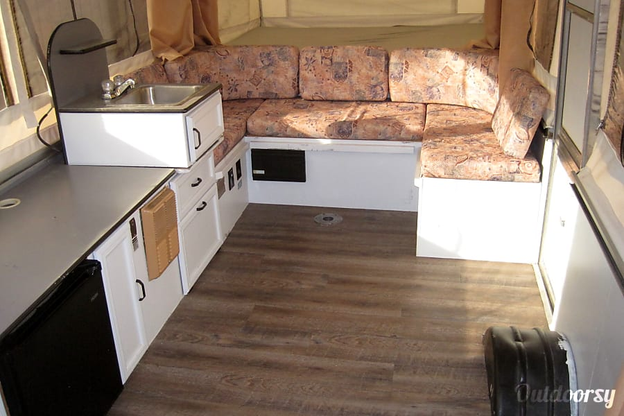 "interior 22"" 2000 Palomino Pop Up Fold Out Camper with AIR CONDITIONING, TV, DVD Player and optional generator! El Paso, TX"