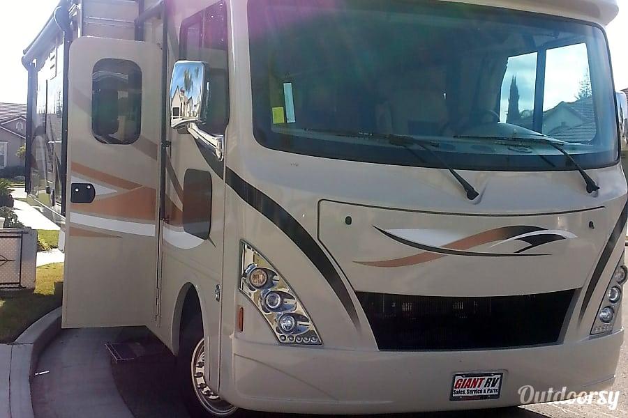 2016 Thor Motor Coach A.C.E Tulare, CA