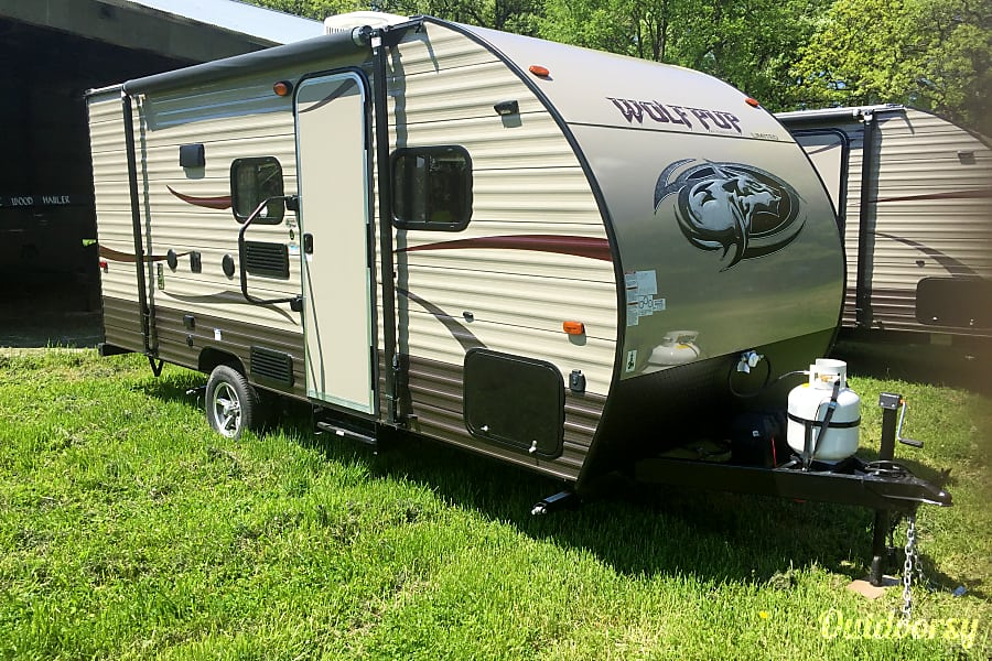 exterior 2017 Forest River Cherokee Grey Wolf Savage, MN