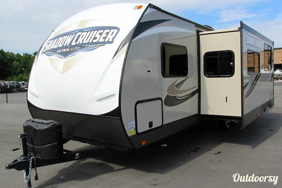 exterior 2017 Shadow Cruiser Bunk House Travel Trailer- Everything you need to get Camping!   --No Brake Controller Required. Lodi, CA