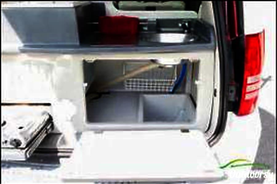 2010 Chrysler Town Amp Country Jucy Camper Van Motor Home