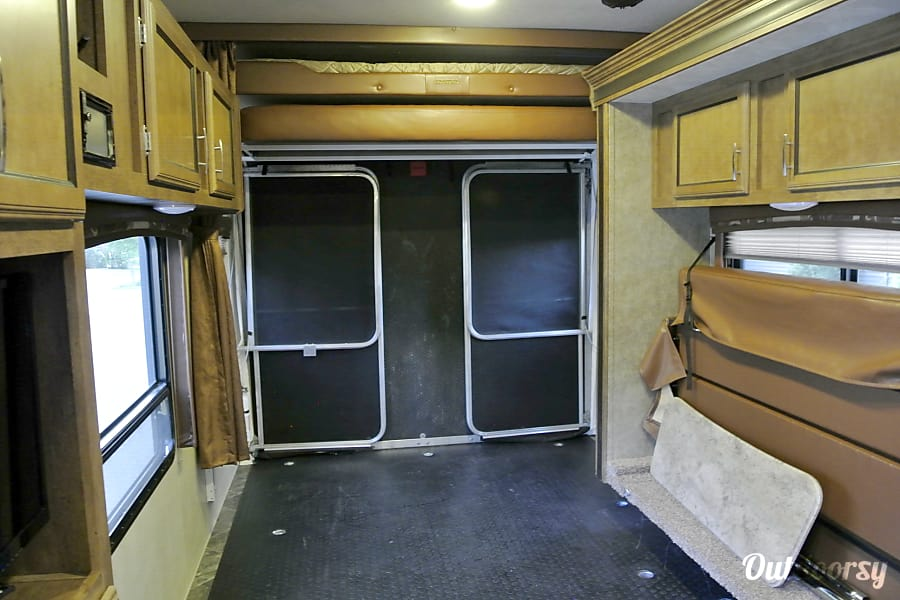 2016 Forest River Shockwave 27FQGDX Snoqualmie, WA Garage is spacious when you fold everything up.