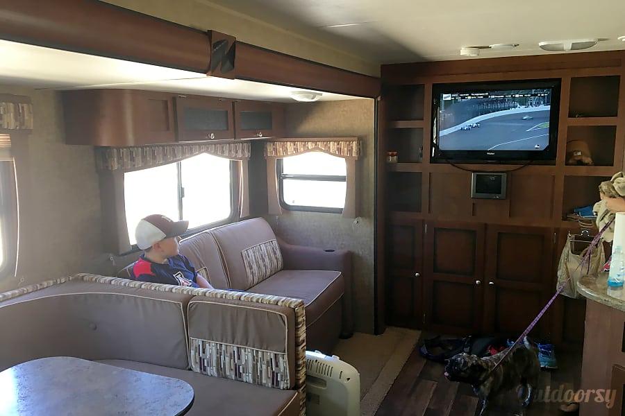 2012 Dutchmen Kodiak Bunkhouse with Outdoor Kitchen (Sleeps 10) Tucson, AZ