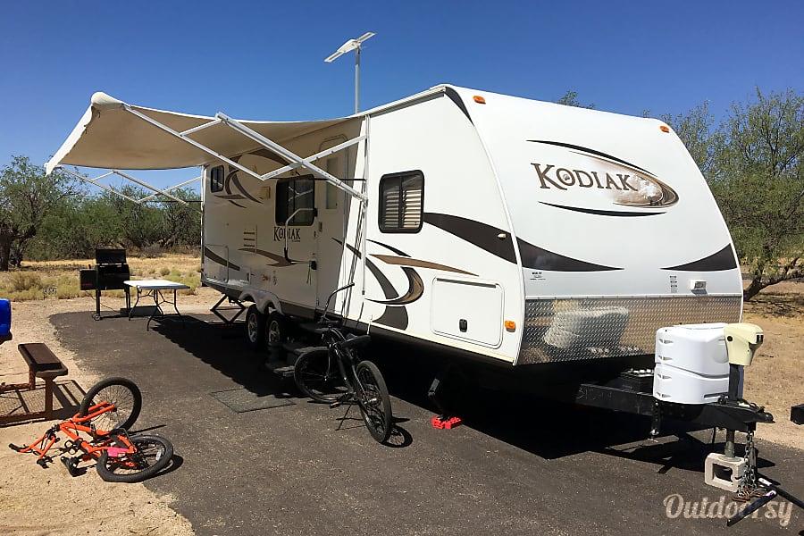 exterior 2012 Dutchmen Kodiak Bunkhouse with Outdoor Kitchen (Sleeps 10) Tucson, AZ